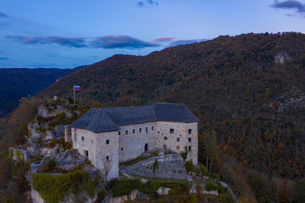 Grad Kostel_Ziga_04_pomanjsana (1)